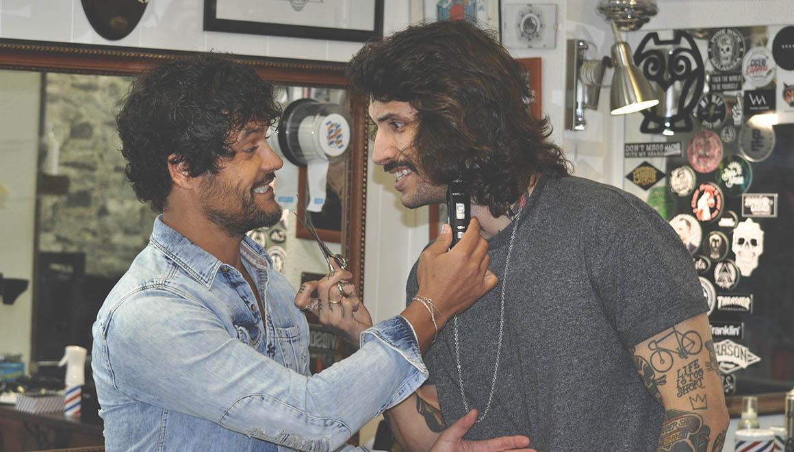corte-de-pelo-natural-para-hombre-con-tuco-peluqueros