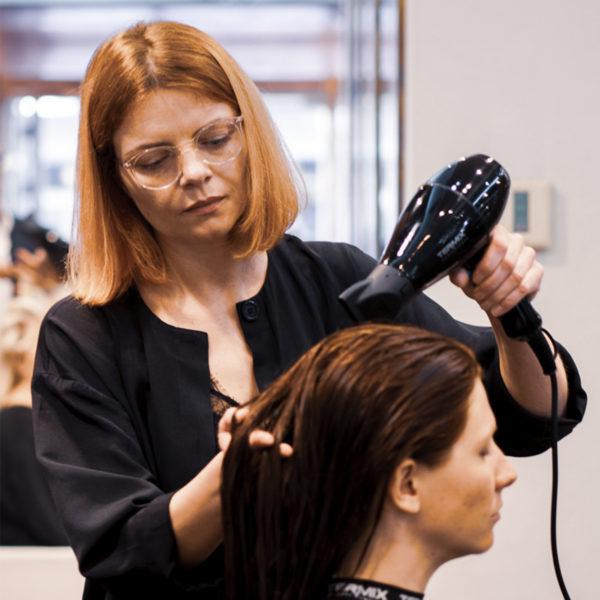 anna now hair salon stylist
